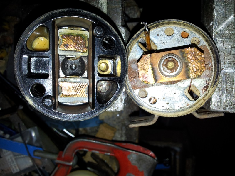 solenoid open showing copper contact bar.jpg